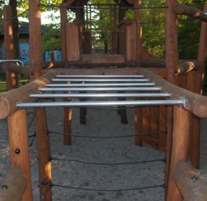 Rekstang speeltoestellen speelplaats
